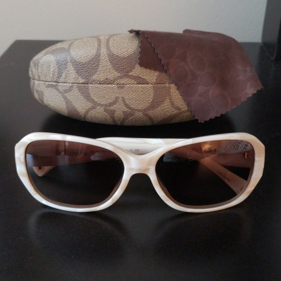 95fd1434d1 ... discount coach ivory cream reese sunglasses w case 37ec5 e2a81